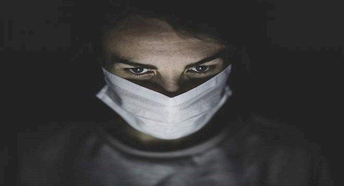 Avertisment de la medici: A apărut un nou simptom asociat cu virusul COVID-19!