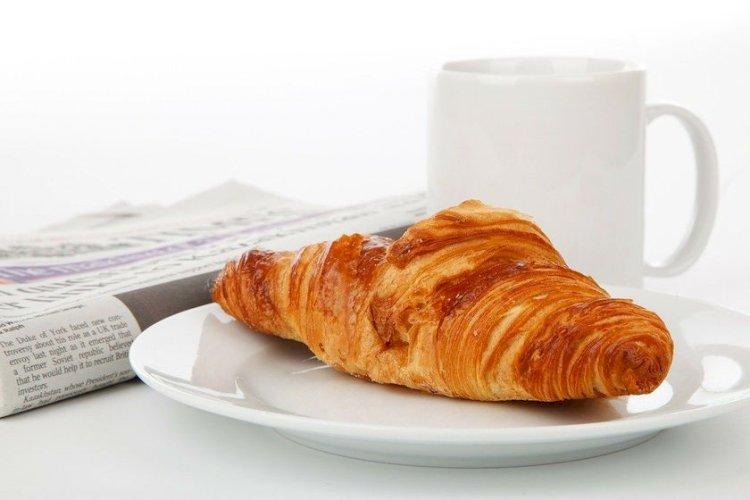Mănânci iaurt pe stomacul gol? E total nesănătos! 7 alimente interzise dimineaţa, la micul dejun