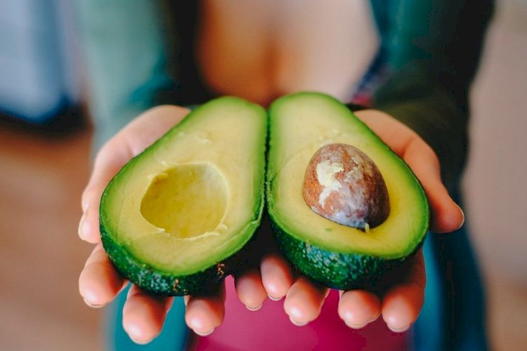 Avocado, pasta minune pentru tenul tău. Această mască previne îmbătrânirea pielii