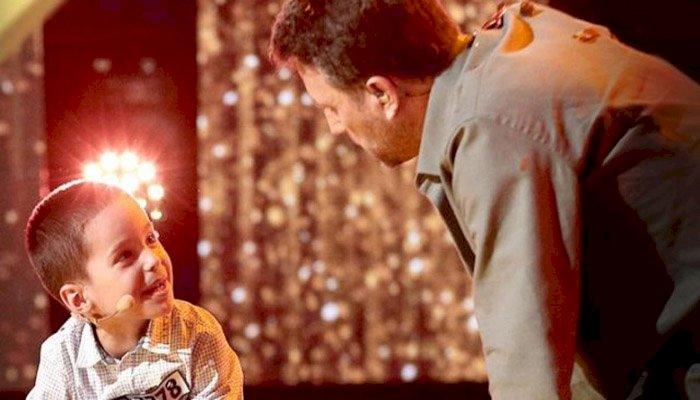 """Al treilea Golden Buzz la """"Românii au talent"""". Ce face Theodor Marcu, copilul de 6 ani care vrea să fie """"geniul tuturor lucrurilor"""